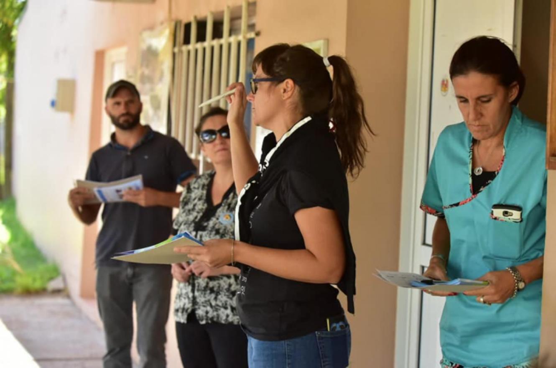 Ante un caso de dengue en Villa Elisa, activaron un operativo de bloqueo sanitario