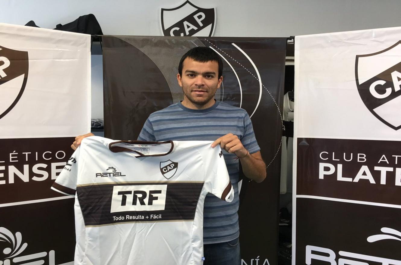 El entrerriano Facundo Curuchet seguirá vistiendo la camiseta de Platense