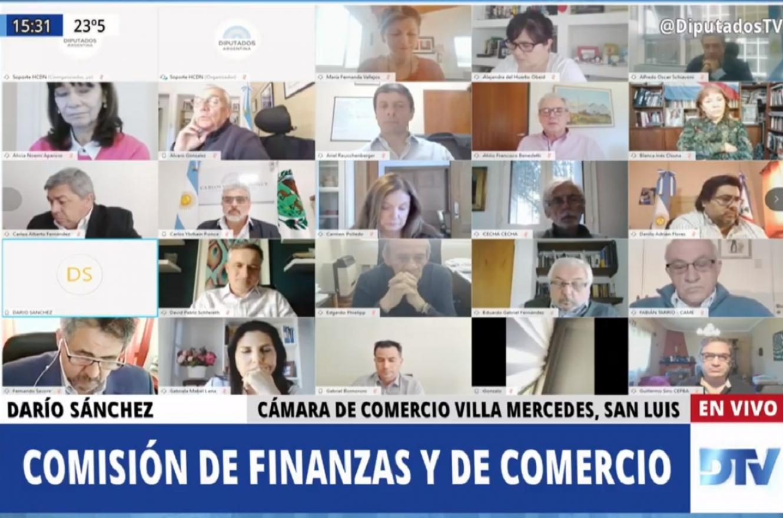 Junto a cámaras comerciales, diputados debatieron proyectos sobre compras con tarjeta