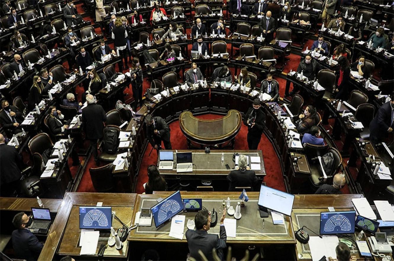 Son 51 los diputados que terminan su mandato y pretenden permanecer en el Congreso tras las legislativas.