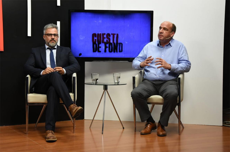 Los diputados Gustavo Guzmán (PJ) y Esteban Vitor (Cambiemos), intercambiaron perspectivas luego de las elecciones y de cara al traspaso del gobierno nacional y sobre lo que sucederá en la provincia luego del 10 de diciembre.
