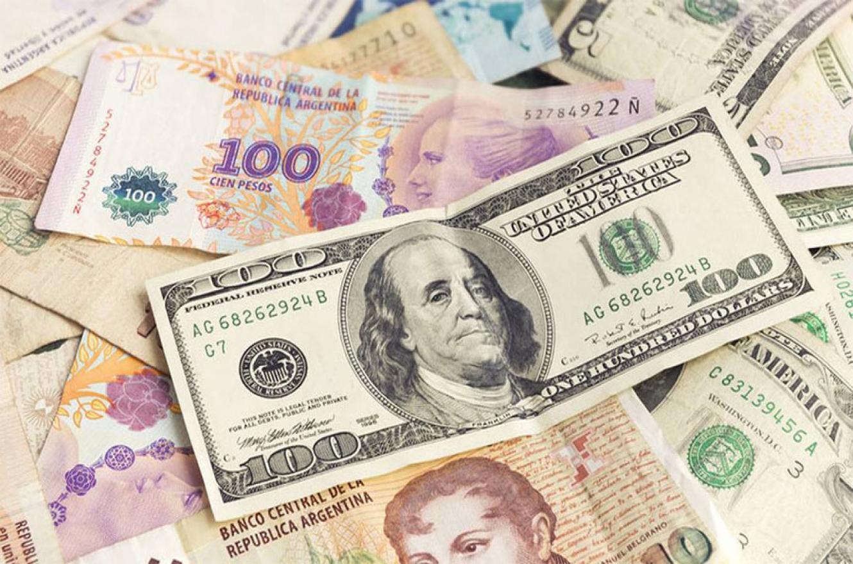 """El BCRA terminó con un saldo de ventas de USD 1.280 millones y se estima que casi 5 millones de ahorristas aprovecharon la ventana para la compra del dólar """"solidario""""."""