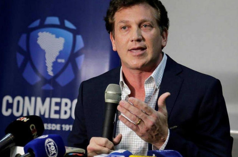 El presidente de Conmebol puso en duda la variante de los cinco cambios impuesta por FIFA
