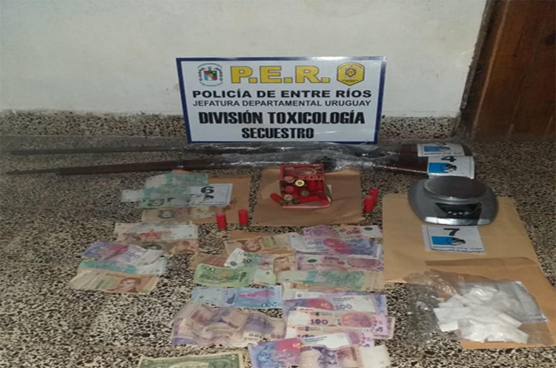 La Policía detuvo a ocho personas en el marco de la Ley de Narcomenudeo, además de secuestrar estupefacientes y otros elementos de interés para la causa.