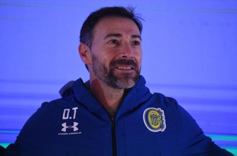 """""""Quiero que mi equipo juegue como yo jugaba"""", expresó """"Kily"""" González en su presentación"""