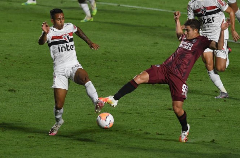 Copa Libertadores: River sufrió dos goles en contra y empató en su visita a Brasil