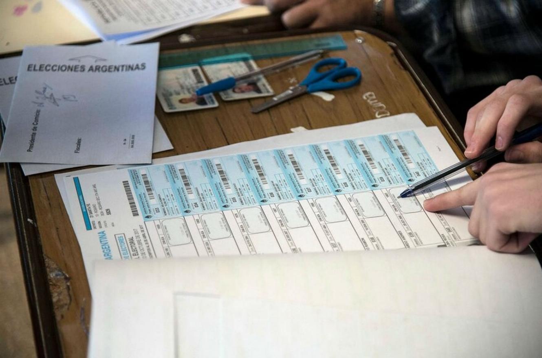 La Cámara Electoral pidió vacunar contra el Covid a autoridades de mesa