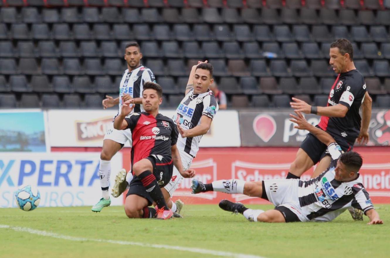 Newell's venció a Central Córdoba y lidera con puntaje ideal en la Fase Complementación