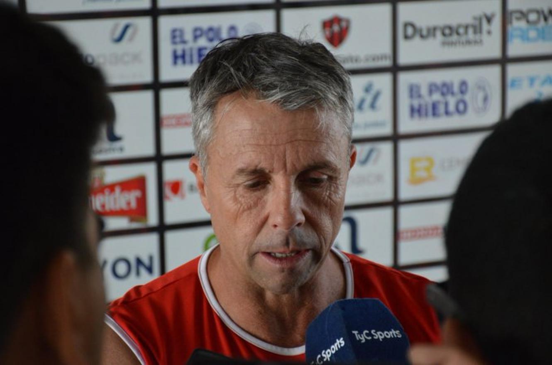 """Vamos a ir a ganar, a ratificar lo bueno que se hizo ante Unión"", avisó Gustavo Álvarez"