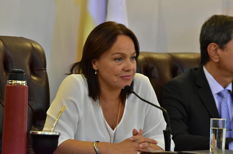 La viceintendenta de Paraná, Josefina Etienot, admitió que la gestión Varisco ha sido reacia a responder pedidos de informes.