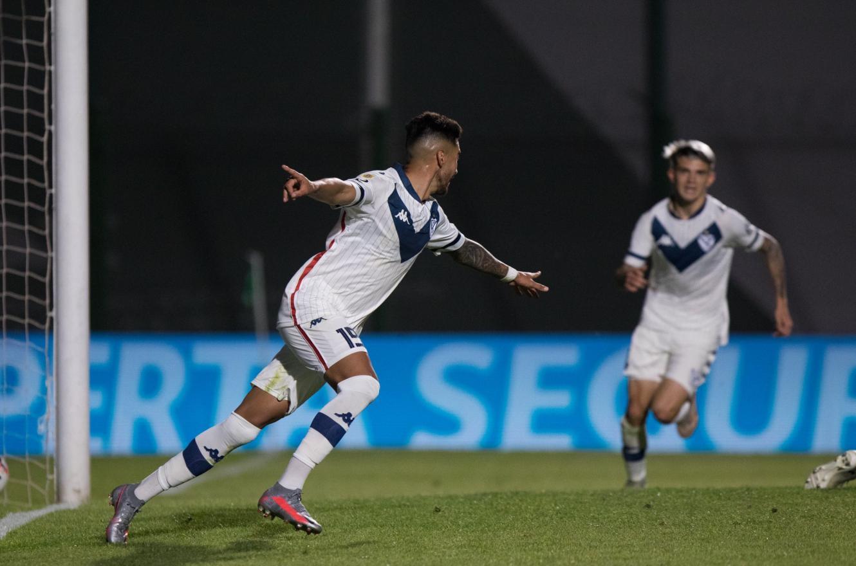 Liga Profesional de Fútbol: Vélez abrió la fecha con un triunfo de visitante en Junín