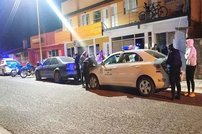En Federación la Policía desmanteló dos fiestas clandestinas y 130 personas fueron notificadas de la posible infracción al ASPO.