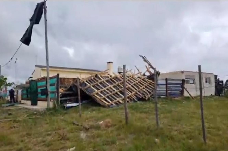 Un hombre falleció en Federación tras volar el techo y derrumbarse su vivienda