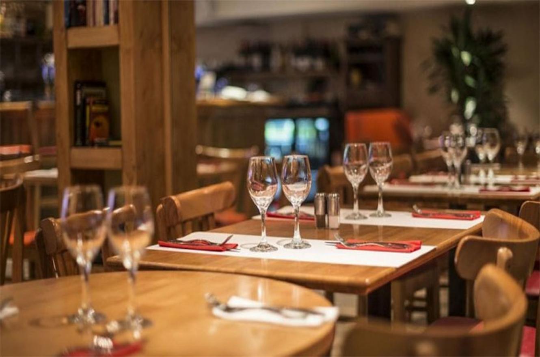 Los restaurantes y hoteles son algunos de los sectores más afectados por la crisis generada por la pandemia del coronavirus.