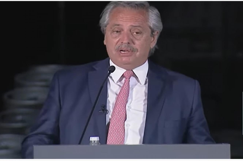 Alberto Fernández conferencia UIA 2020