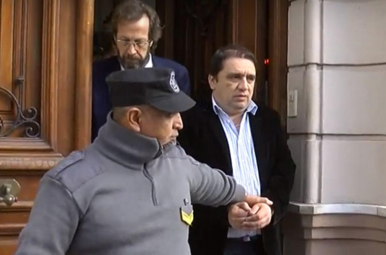 El abogado Emilio Fouces se retira del Juzgado junto a Pablo Hernández