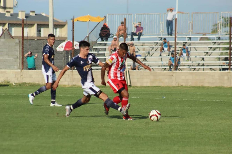 Una goleada dejó a Atlético Paraná al margen de la final por un ascenso al Federal A