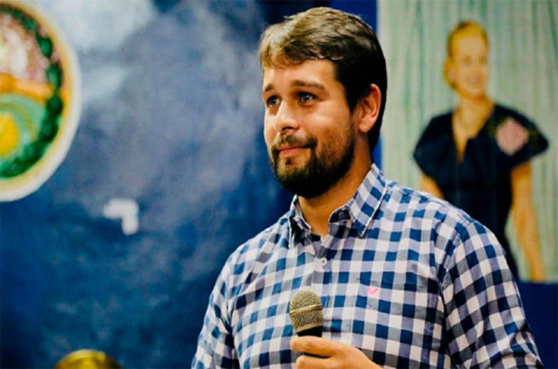 Emiliano Gómez Tutau reprochó expresiones del diputado provincial Sergio Kneeteman (Juntos por el Cambio).