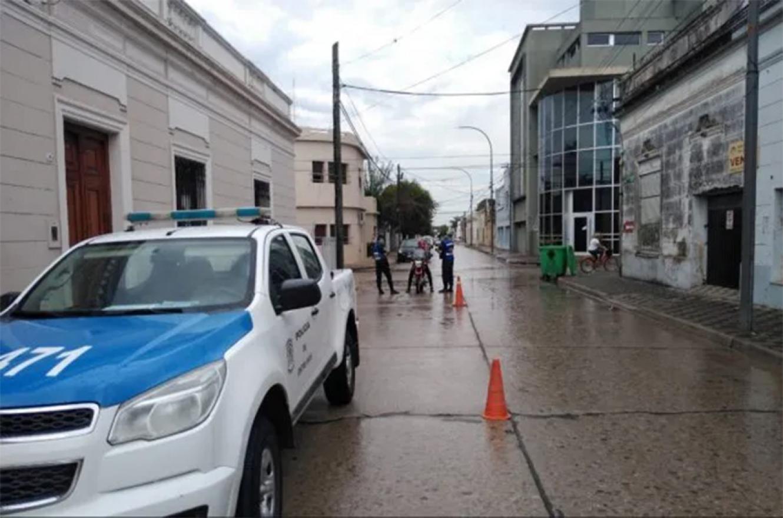Hay al menos once policías aislados por ser contacto directo de casos positivos de coronavirus en Gualeguay. También hay afectados en la Justicia y en el Municipio.