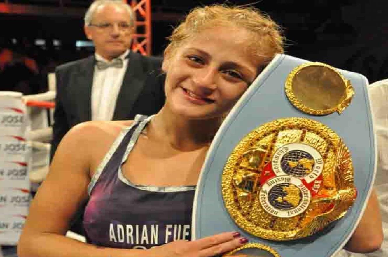 """Boxeo: la """"Gurisa"""" Dionicius buscará el título mundial gallo el 25 de junio en Dinamara"""