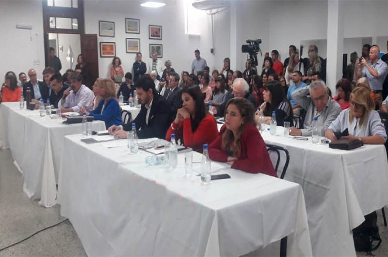 Concejo Deliberante de Paraná sesión en Unión Árabe