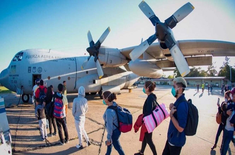 El gobierno suspendió el regreso de los argentinos varados en el exterior