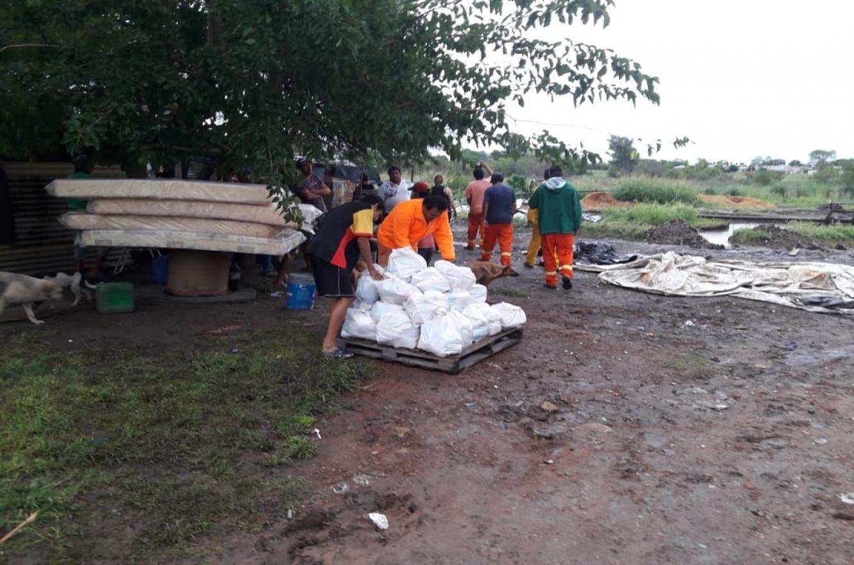 entrega de asistencia por lluvias