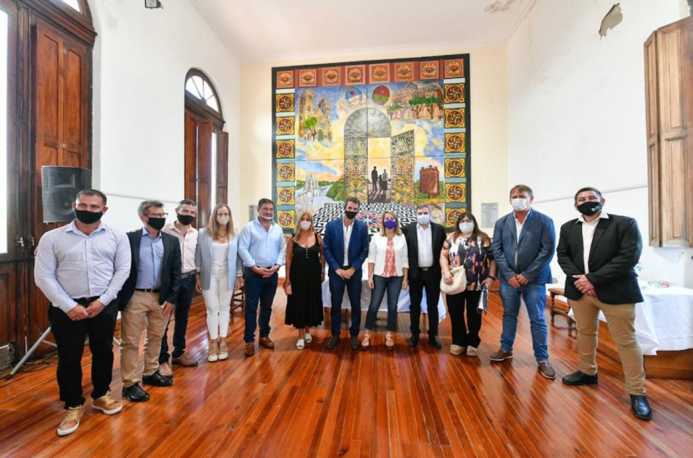 Rubricaron acuerdos para obras en Victoria, Galarza y Libertador San Martín