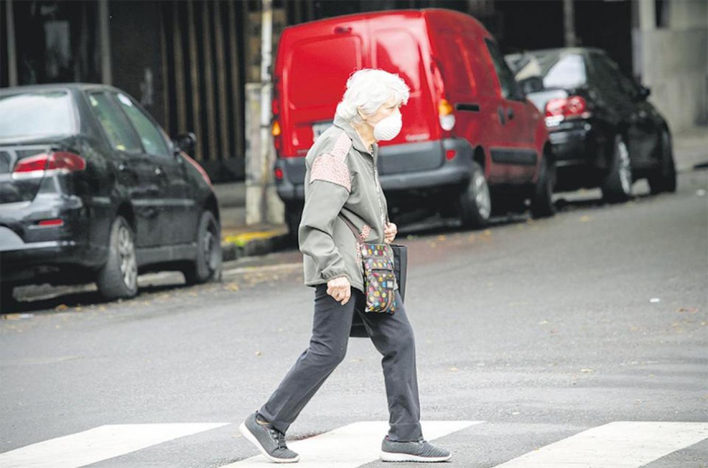 El gobierno nacional aplicará por decreto el aumento a los jubilados y se excusó que por la pandemia no puede establecer una nueva fórmula para que el incremento sea por ley.