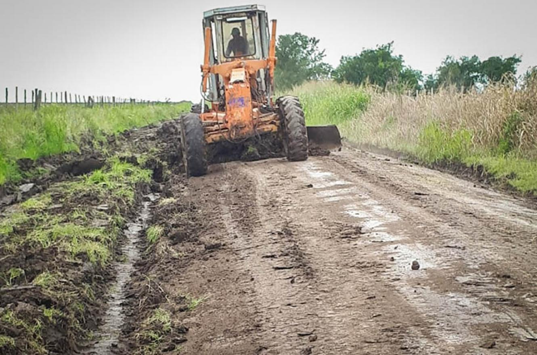Vialidad Provincial monitorea la situación climática que se presenta en gran parte del territorio entrerriano con fuertes vientos y lluvias intensas.