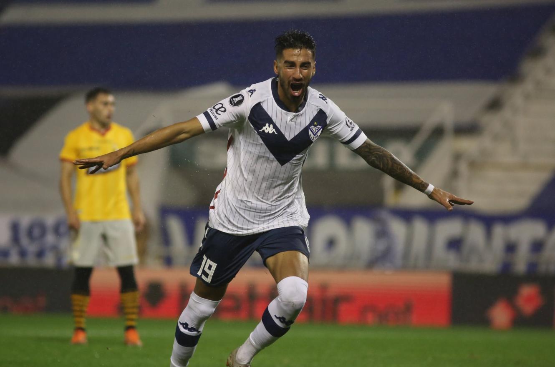 Vélez venció a Barcelona de Ecuador y dio un paso clave en la Copa Libertadores