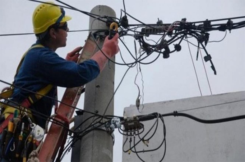 El Gobierno dispuso que hasta el 31 de diciembre las empresas de servicios de gas, luz y agua no podrán cortar esas prestaciones.