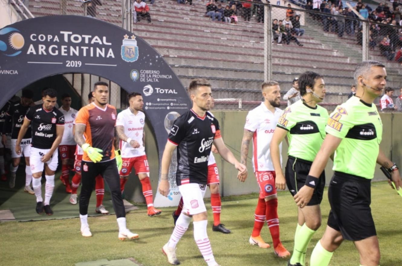 Copa Argentina: a pesar del esfuerzo del paranaense Arce, Argentinos eliminó a San Martín