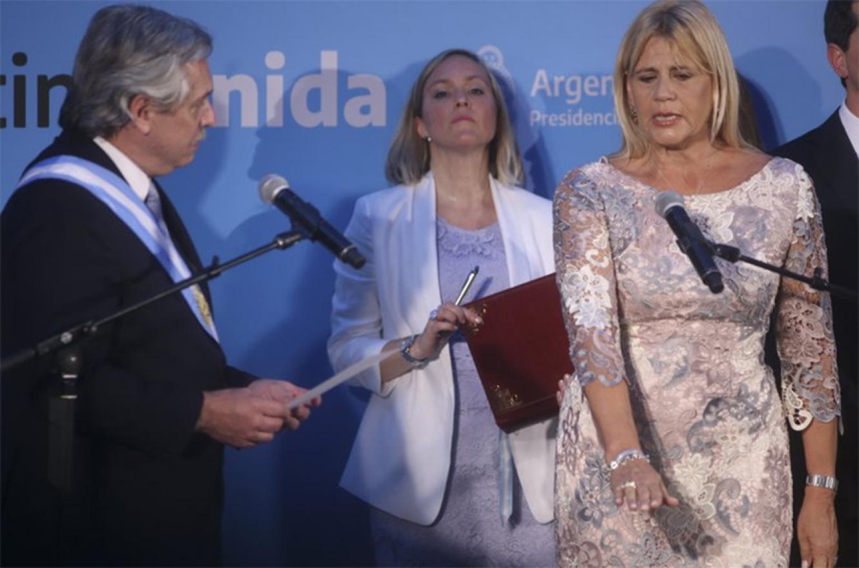 Imagen de archivo de la toma de juramento por parte de Alberto Fernández a Marcela Losardo como ministra de Justicia.