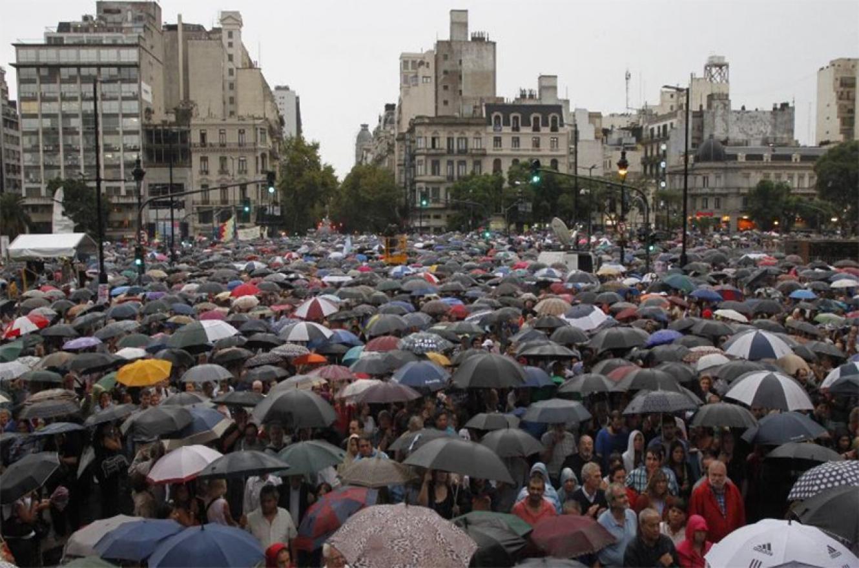 Imagen de archivo de la marcha encabezada por los fiscales, después de la muerte de Nisman. Ya pasaron cinco años y aún no hay justicia.
