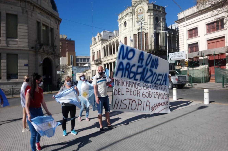 La protesta también tuvo su convocatoria en Paraná