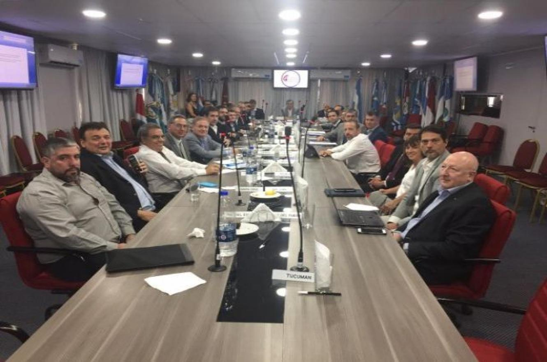 Ministros de Economía pedirán a Nación refinanciar vencimientos de deuda