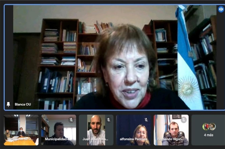 Blanca Osuna mantuvo un encuentro virtual con autoridades donde se refirió al acceso de la vivienda digna.