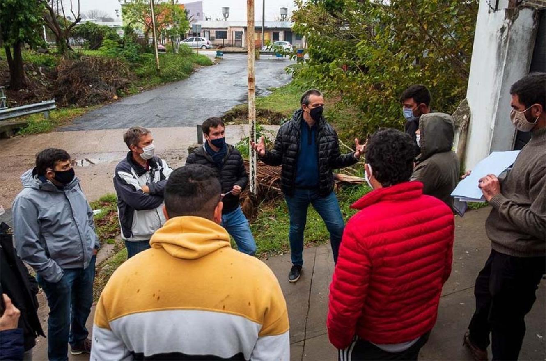 El intendente de Paraná, Adán Bahl, recorrió la zona del arroyo Antoñico y confirmó que se consiguió el financiamiento para concretar la sistematización de ese curso de agua.