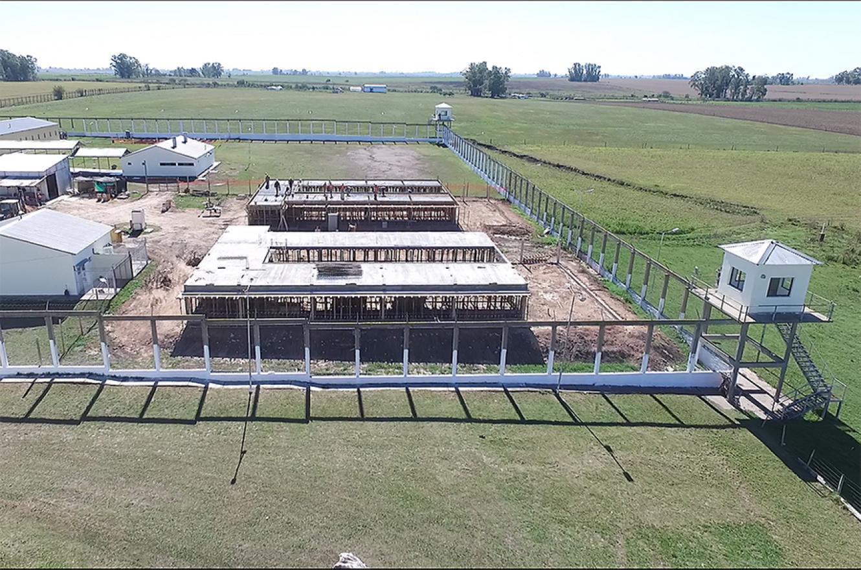 """La UP 9 tiene capacidad para 250 internos, """"pero con la construcción de los cinco nuevos pabellones, dos en construcción y tres próximos a licitarse, se ampliará a 1.400 internos""""."""
