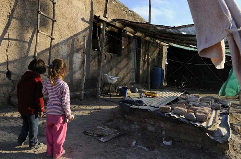 Según Unicef, la pobreza infantil llegaría al 62,9% en el país a fin de año
