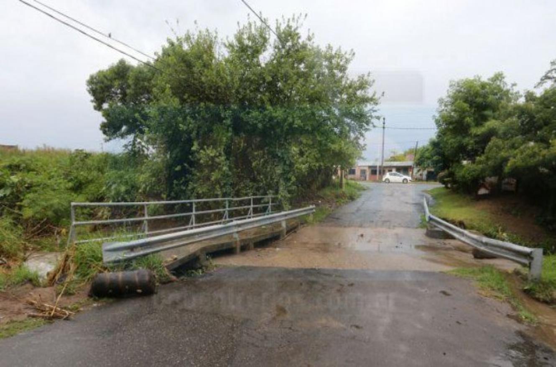 puente calle Manuel Gálvez (Foto: Uno)