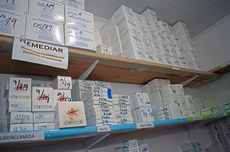 El programa Remediar distribuye medicación en hospitales y centros de atención primaria. En una primera etapa, desde el inicio de la pandemia por Covid-19, se invirtieron 2.795.641 pesos en la provincia.
