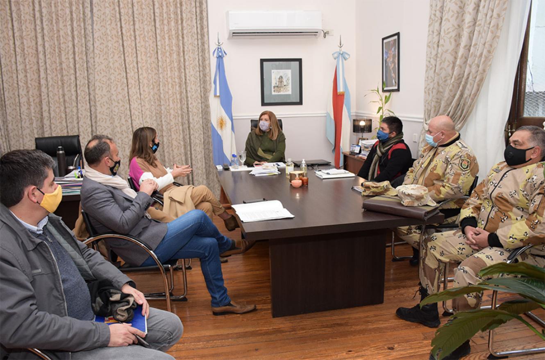 Aspecto del encuentro de los funcionarios que analizaron la situación en la zona del Delta entrerriano.