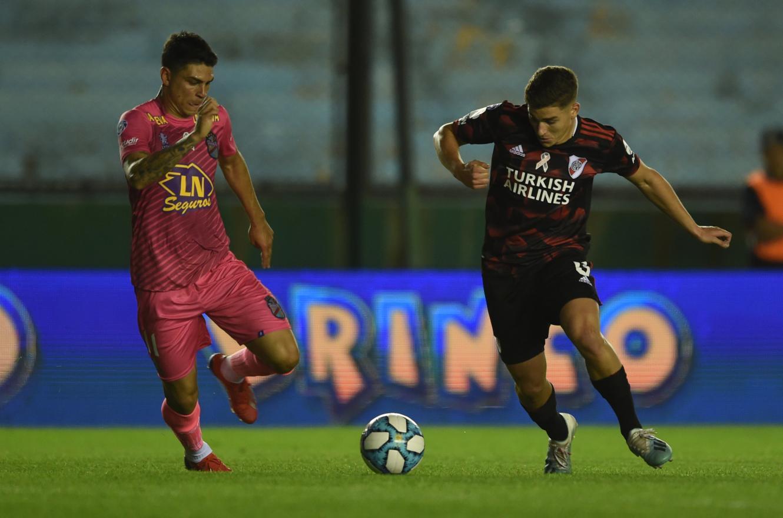 Superliga: River rescató un empate ante Arsenal en un partido a puro gol