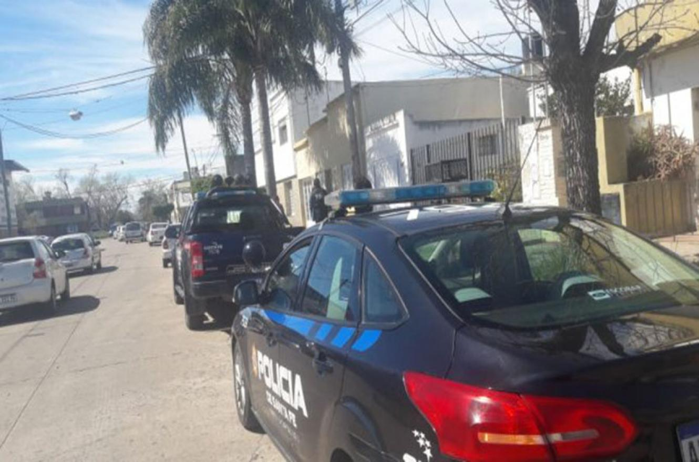 El violento robo tuvo un botín de casi tres millones de pesos y ocurrió en Santa Fe.