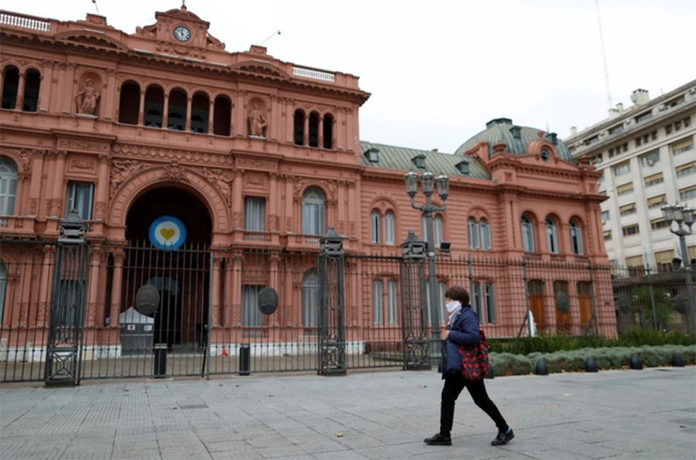 Vista de la Casa Rosada durante el aislamiento obligatorio adoptado para evitar la propagación el coronavirus.