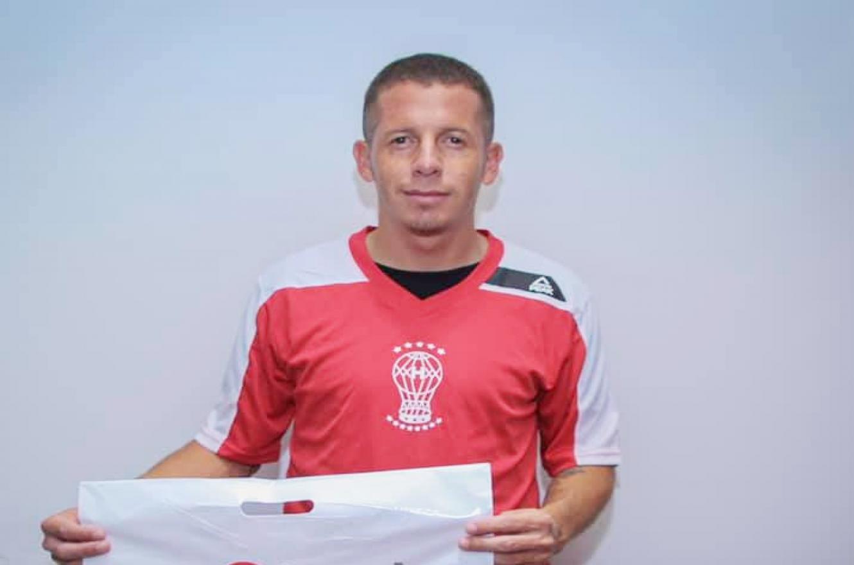 Fútbol: Huracán oficializó la llegada del entrerriano Nicolás Silva
