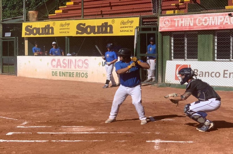 Softbol: las selecciones masculinas mayor y sub 23 concentraron en Paraná