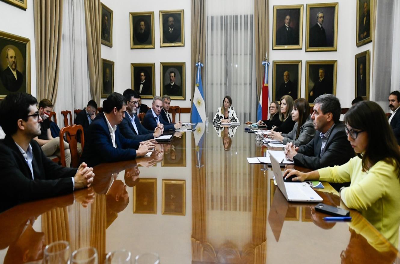 El gobierno recibió a intendentes de Cambiemos en el marco de la emergencia